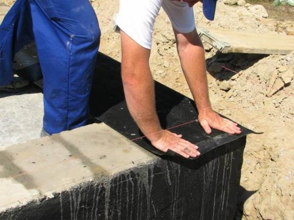 Рулонная гидроизоляция фундаментной кладки
